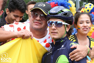 Photo: 01-07-2017: Wielrennen: Tour de France: DusseldorfCarlos Betancur (Movistar), sfeer, fans, start, etappe 1, itt