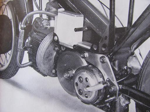 le-moteur-de-la-norton-type-f-presente-par-machines-et-moteurs-le-specialiste-de-la-norton-commando