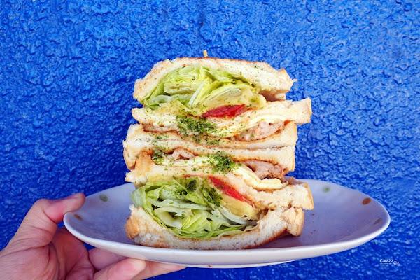 金花碳烤吐司專賣|超人氣西門町早餐!好吃的碳烤三明治!