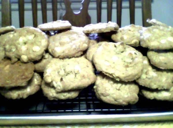 Cranraisin White Chip Island Cookies