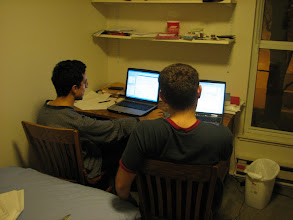 Photo: 3 Mart 2006 - Emre ile çalışıyoruz. İkimizde de MATLAB açık, ciddi bir iş yapıyor olmamız lazım.