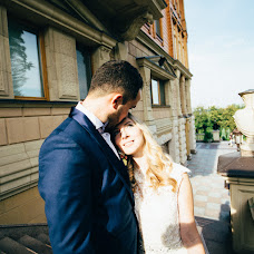Wedding photographer Sergey Opikanec (MeddoxX). Photo of 30.09.2016