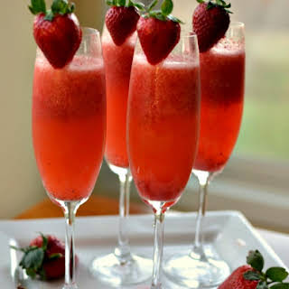Easy Frosty Strawberry Mimosas.