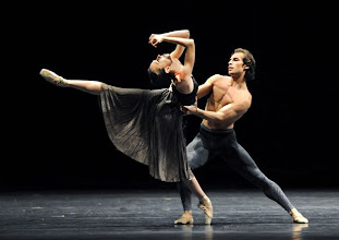 "Photo: Wiener Staatsballett: NUREJEW-GALA in der staatsoper am 28.6.2011. ""Before Nightfall"". Nina Polavkova, Mihail Sosnovschi. Foto: Barbara Zeininger"
