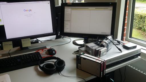 Vi er i fuld gang med at digitalisere VHS-båndene.