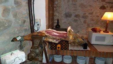 Photo: Jamón en la Casa del Reloj Molinaseca