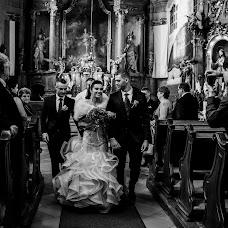 Wedding photographer Gábor Badics (badics). Photo of 25.11.2017
