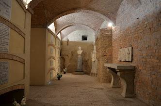 Photo: Resti architettonici di epoca romanica, ora Cripta dei Vescovi