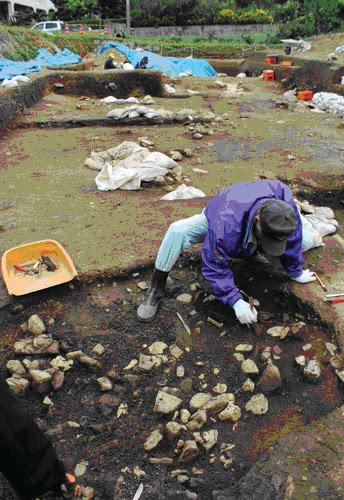 Four polyn�sien en cours d fouilles