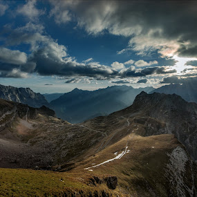 last rays of the day by Bor Rojnik - Landscapes Mountains & Hills ( national park, mangart, sunset, slovenia, landscape photography, ray of light, julian alps, places, landscape, italy, rays, alps )