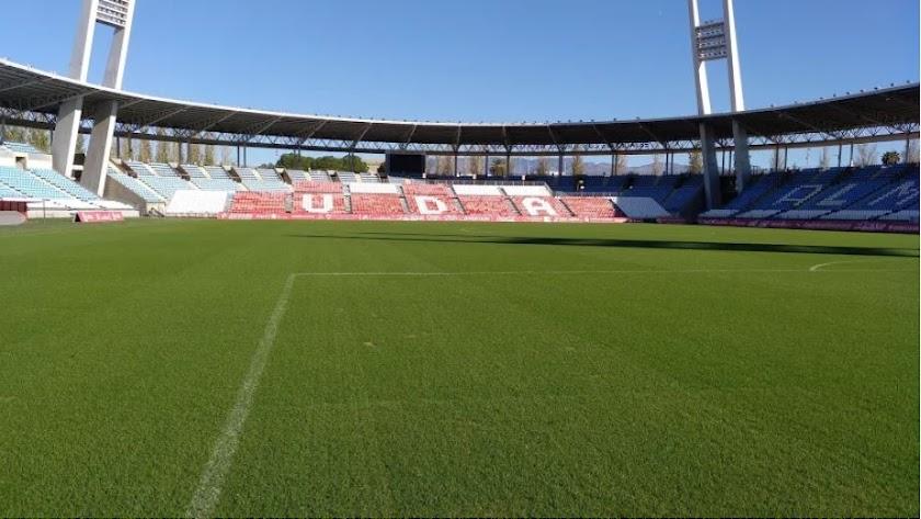 Interior del Estadio de los Juegos Mediterráneos en una foto de archivo