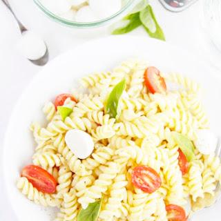 Spicy Caprese Pasta Salad Recipe