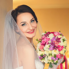 Wedding photographer Olesya Yarceva (sonyalisa). Photo of 04.09.2014