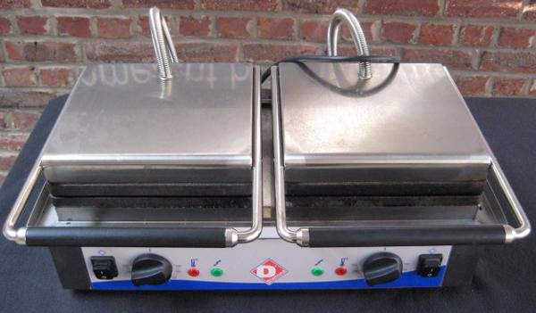 Dubbel wafelijzer huren - 4 Brusselse wafels