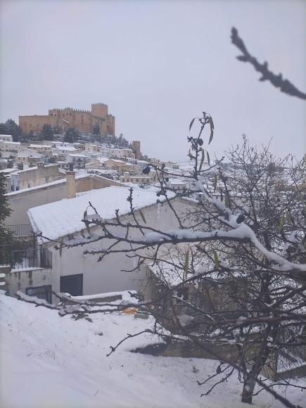 Gran nevada caída en Vélez-Blanco en la mañana del viernes. Foto Ginés Gázquez Navarro.