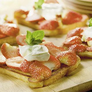 Gebakken Toast Met Aardbeien En Limoen-mascarpone