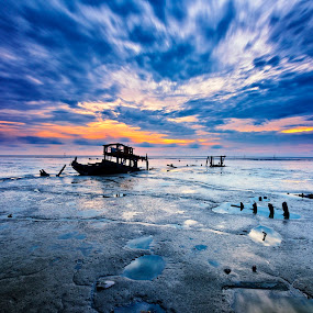 Abandoned by SyaFiq Sha'Rani - Landscapes Sunsets & Sunrises ( destroy, ship, sunset, wreck, sea, abandon, sekinchan )