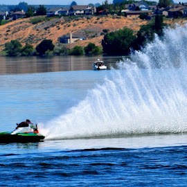 Limited Hydro by Rob Bradshaw - Sports & Fitness Watersports ( columbia river, limited hydro, corner, richland, hydroplane race, washington, hydroplane )