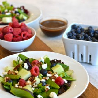 Clean Eating Berry & Goat Cheese Salad with Toasted Pecans