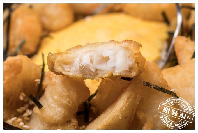 W Kitchen咖哩鱈魚丼飯