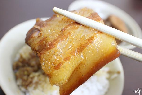 南豐魯肉飯 肥到深處無怨油,入口油化超美味,來碗自強夜市化到令人銷魂的魯肉飯