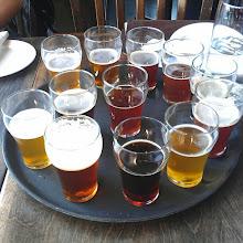 Photo: L'Horloge: 12 bières en format échantillon de 3 onces #DescubriendoQuebec #Outaouais