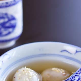 Glutinous Rice Balls in Pandan & Ginger Syrup.