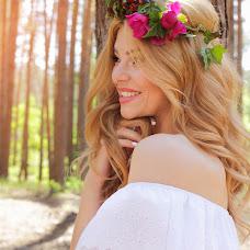 Wedding photographer Elena Osipenko (HelenaOEC). Photo of 06.06.2018