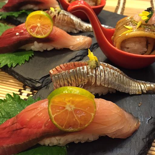880就有龍蝦... 超值平價又好吃。