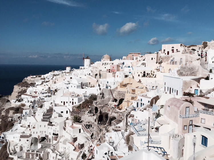 Shot of Oia on Santorini with no lens attachment.