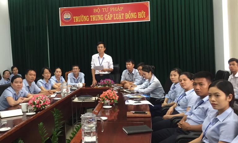 http://trungcapluatdonghoi.edu.vn/uploads/news/2018_09/traoqd-2.jpg
