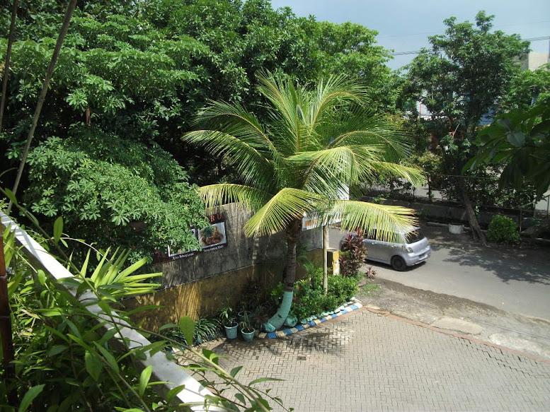 Warung Apung Rahmawati Rungkut's parking lot