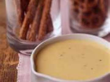 Cheesy Pretzel Dipping Sauce