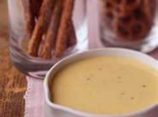 Cheesy Pretzel Dipping Sauce
