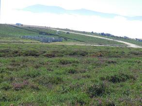 Photo: Hemos abandonado la pista, para seguir por la Carriega de Los Gallegos