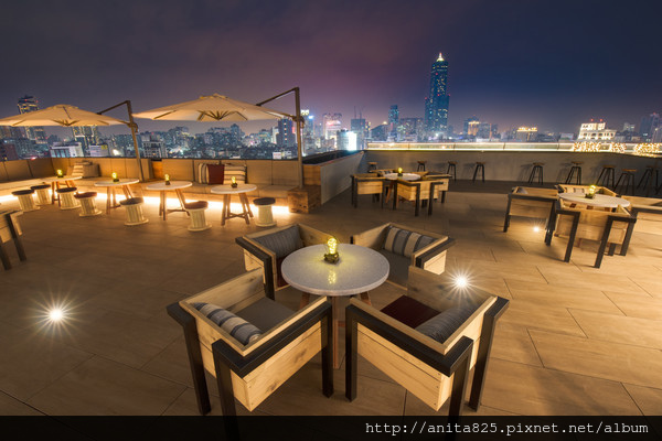 品酒。Pier No.1高空酒吧。英迪格酒店。超美夜景。高雄新崛江。 捷運中央公園