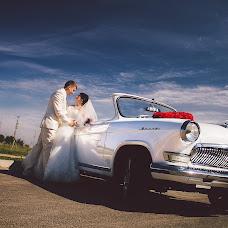 Wedding photographer Valentin Koshutin (sector7). Photo of 02.10.2014