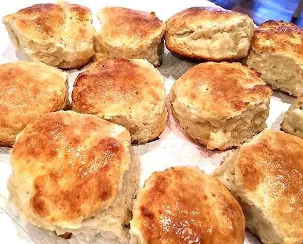 ~ Fluffy Buttermilk Biscuits ~
