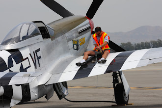 Photo: P-51D - tankování