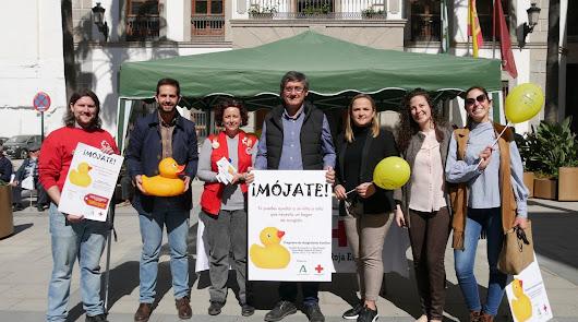 Adra apuesta por el acogimiento familiar a través de la campaña 'Mójate'