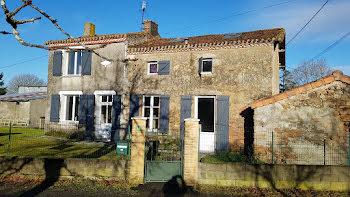 maison à Clesse (79)