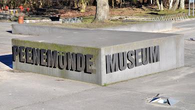 Photo: Wejście do muzeum dawnej hitlerowskiej bazy rakietowej w Peenemunde