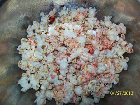 Raspberry popcorn Recipe