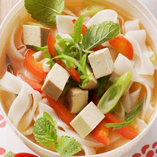 Asian Rice Noodle Soup with Bell Peppers and Tofu