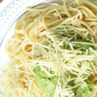 Healthy Avocado Pesto Recipe with Spaghetti.