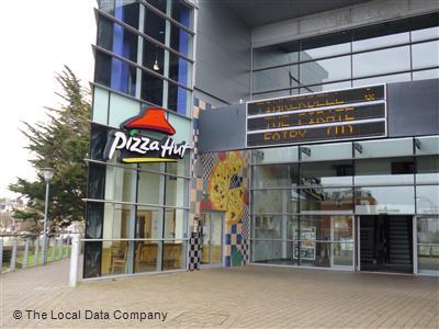 Pizza Hut On Furrlongs Restaurant Pizzeria In Town