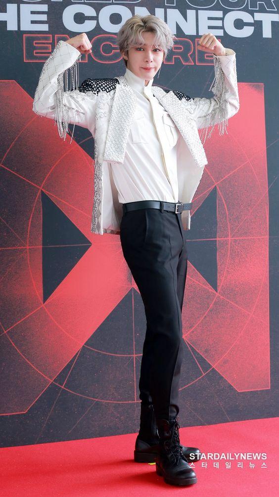 hyungwon body 5