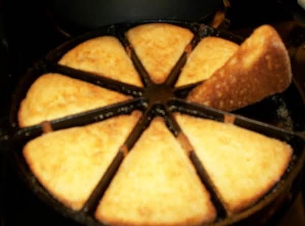 Iron Skillet Cornbread Dee Dee S Recipe Just A Pinch Recipes