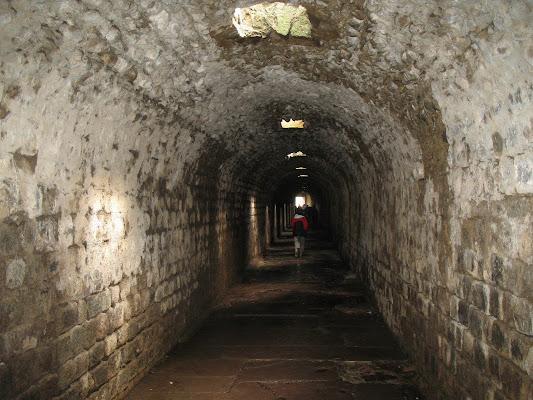 Un tunnel illuminato dall'alto di Dany8123