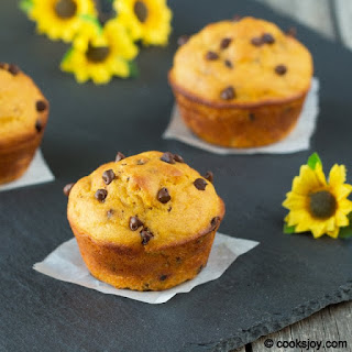 Mango Chocolate Muffin
